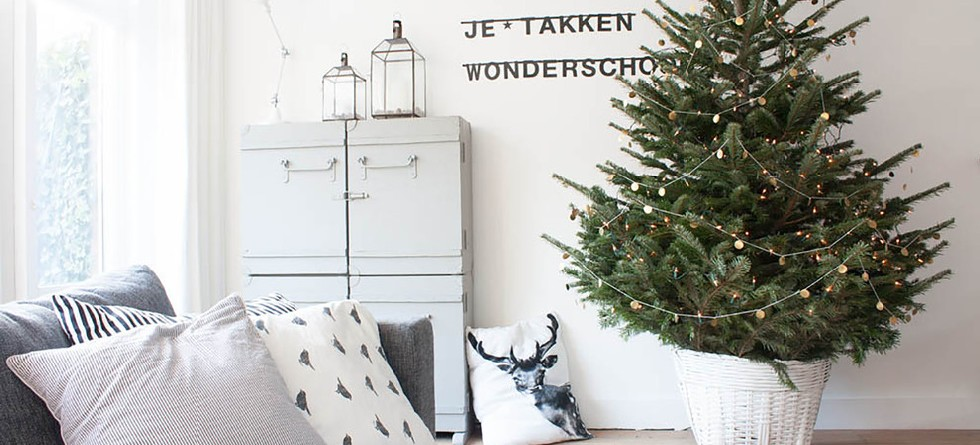 Modern Christmas Decorating Ideas For your Living Room