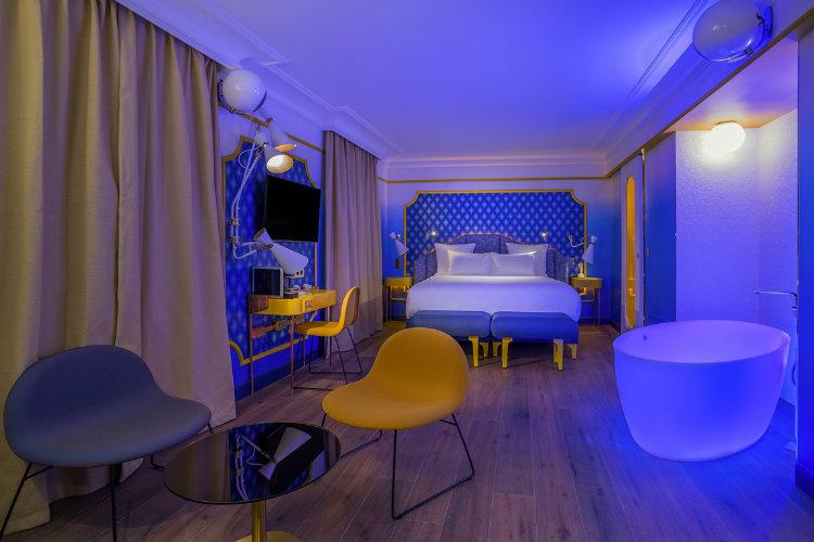 Top 20 Winter Bedroom Color Schemes 6
