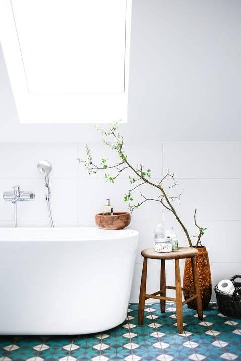 Spring trends get your bathroom a pop of color for Bathroom floor trends 2016