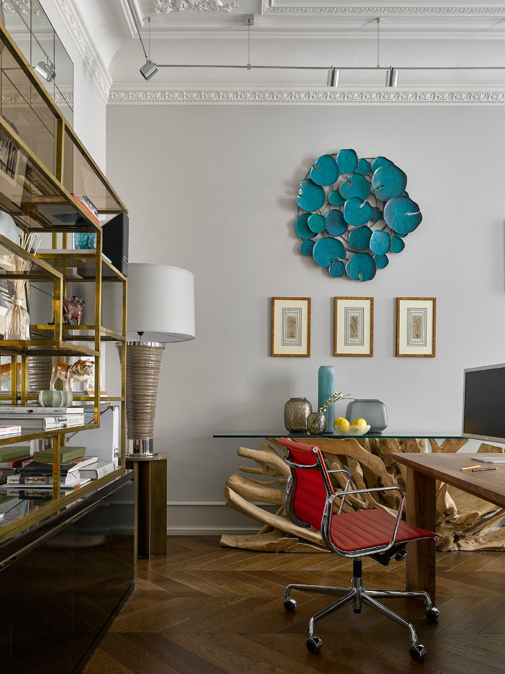 Apartment in Russia featuring midcentury modern furniture & lighting (10)