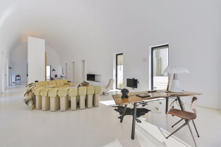 Architecture Stunning modernist home design in Ibiza (1)