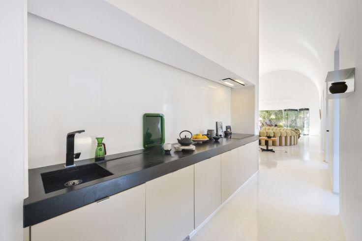 Architecture: Stunning modernist home design in Ibiza