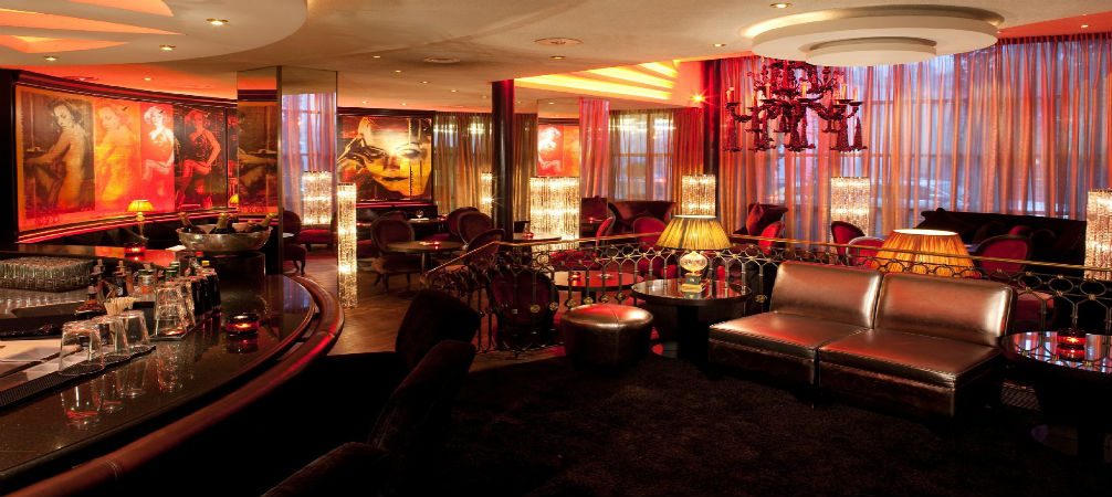 savoy hotel in cologne the best place to enjoy the city. Black Bedroom Furniture Sets. Home Design Ideas