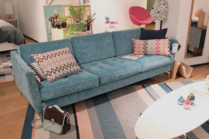 2015 modern living room furniture trend 5 velvet sofa