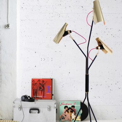 industrial-living-rooms-concrete-walls-and-vintage-floor-lamps