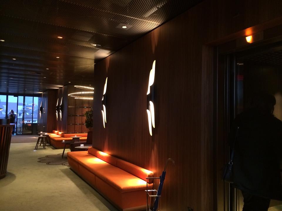 George Bar & Grill: inspiring lighting