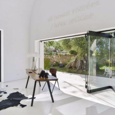 MODERNIST HOME DESIGN IN IBIZA