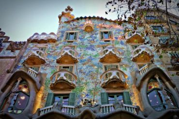 INSPIRING ART NOUVEAU BUILDINGS ALL OVER THE WORLD
