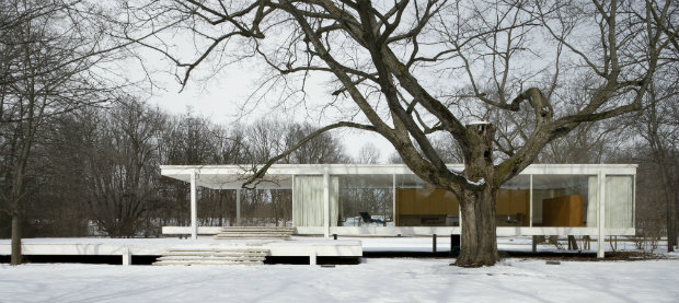 Re-Discover the Renowned Farnsworth House By Mies Van Der Rohe