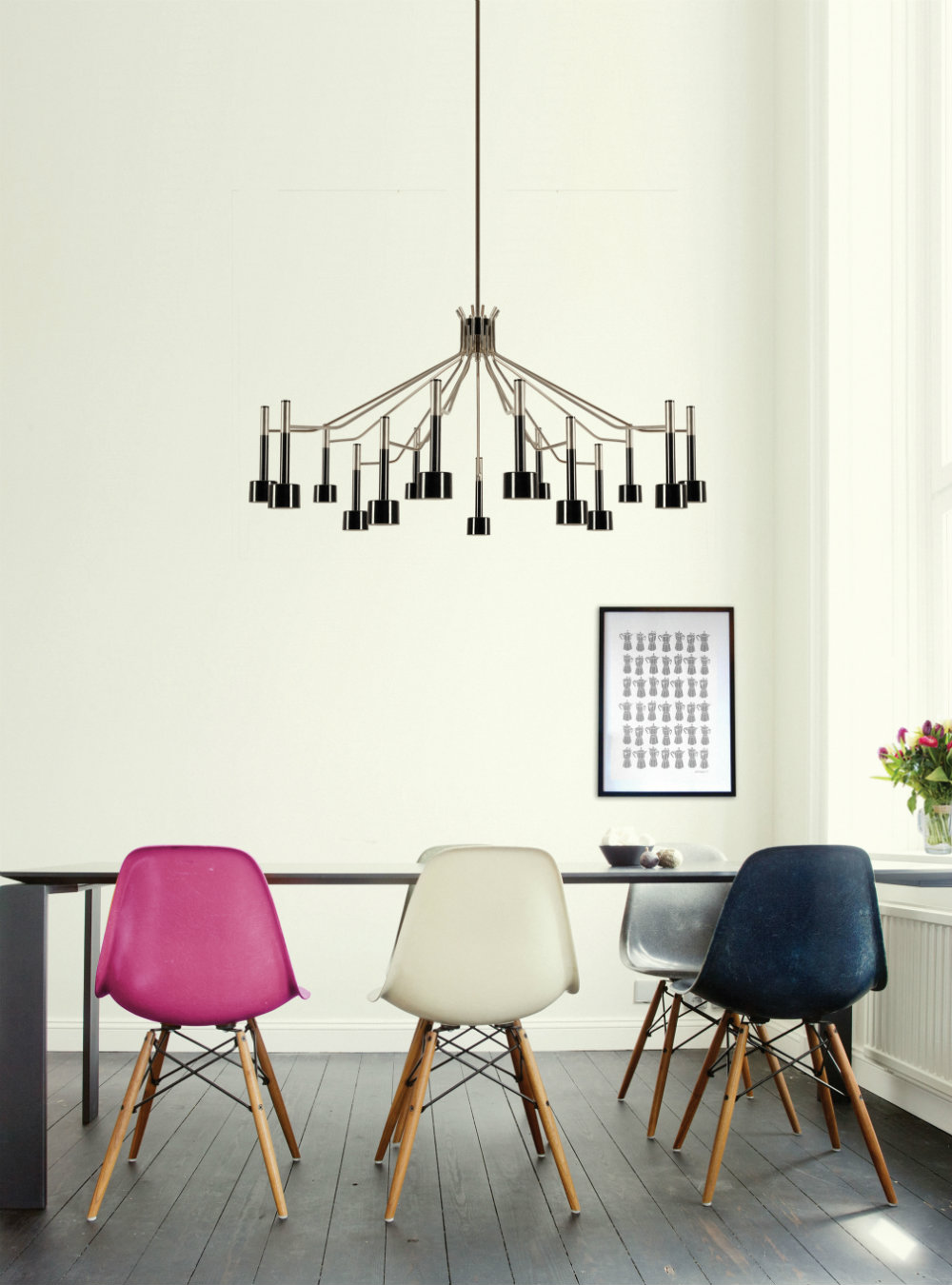 Trending Product An Iconic Round Chandelier with a Mid-Century Design 1