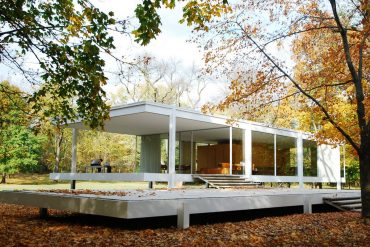Unique Design The Renowned Farnsworth House by Mies Van der Rohe 1