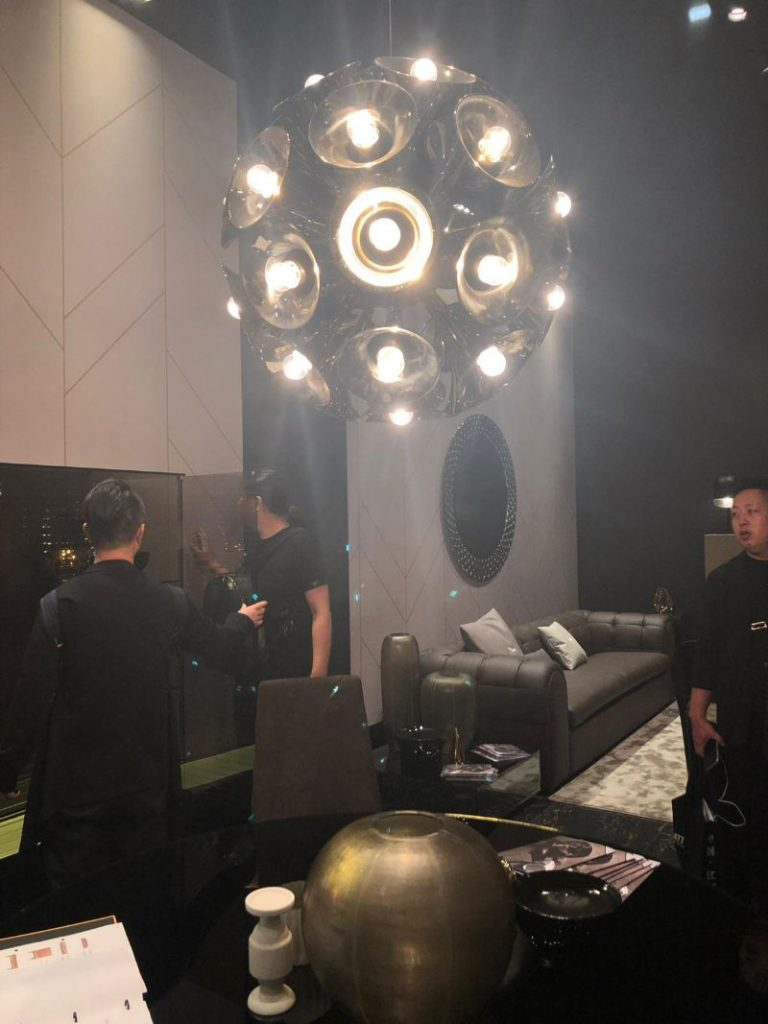 iSaloni 2019: Mid Century Lighting is Brightening Fiam Italia's Booth!