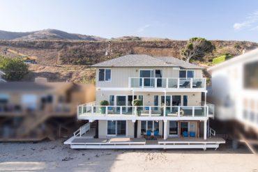 Malibu house Jennifer Lopez