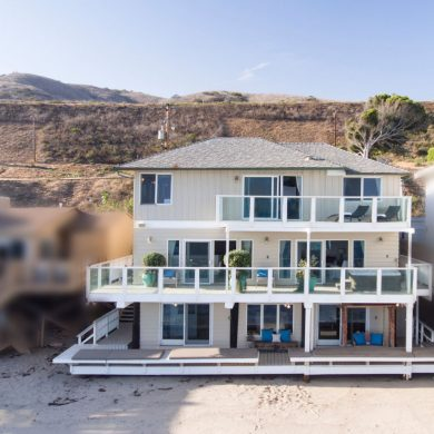 Malibu house Jennifer Lopez