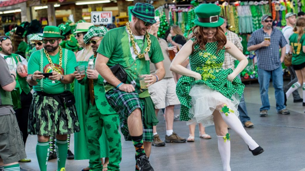 🍀How You Can Celebrate Saint Patrick's Day At Home - AND HAVE A BLAST!🌈