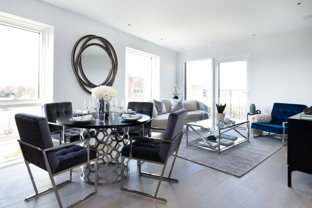Open The Door Of This Contemporary Chelsea Apartment by Yohan May Interiors 🏢 - Styled in ONLY 10 days!