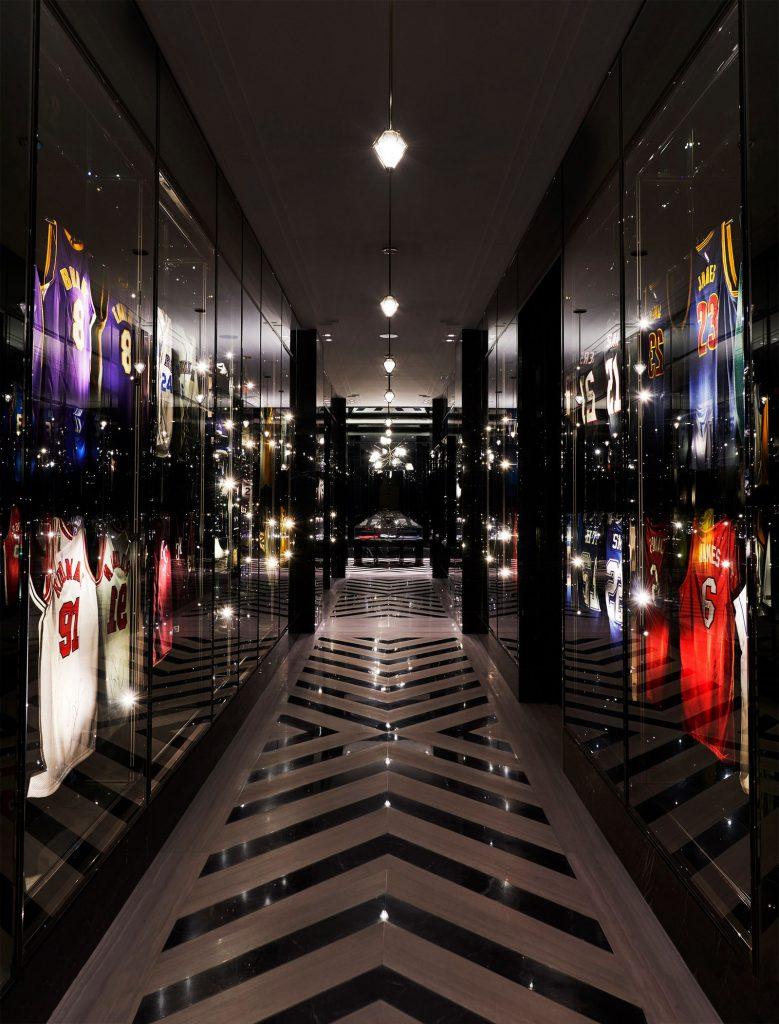 Get Inside: Drake's 50.000 Square Feet House In Hometown Toronto!
