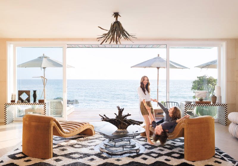 Get inside Kelly Wearstler's Malibu house! 🏠