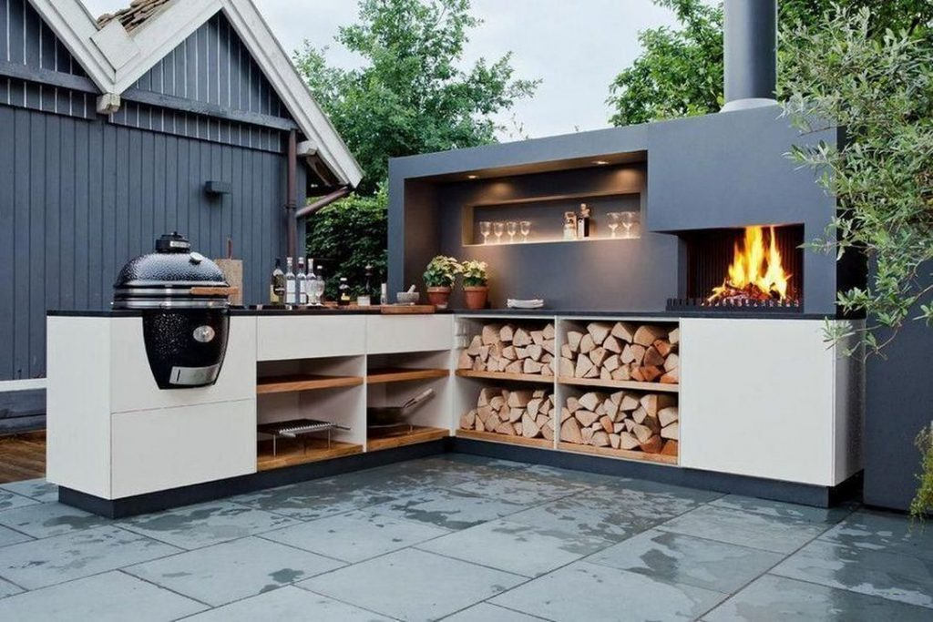 7 Designer-Approved Tips To Make The Best Of Your Outdoor Kitchen 🍳