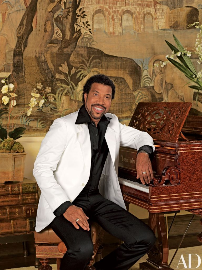 Get inside: Check out Lionel Richie's 28 room house in Beverly Hills