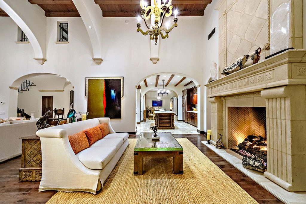 Open House Day 🏠 Sylvester Stallone Is Selling His California House For $3.35 million!