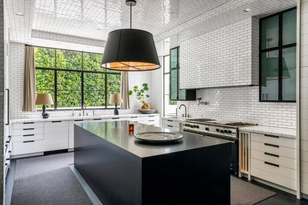 Get Inside: Ryan Murphy's Mesmerizing NYC and L.A. Homes! Check Out!