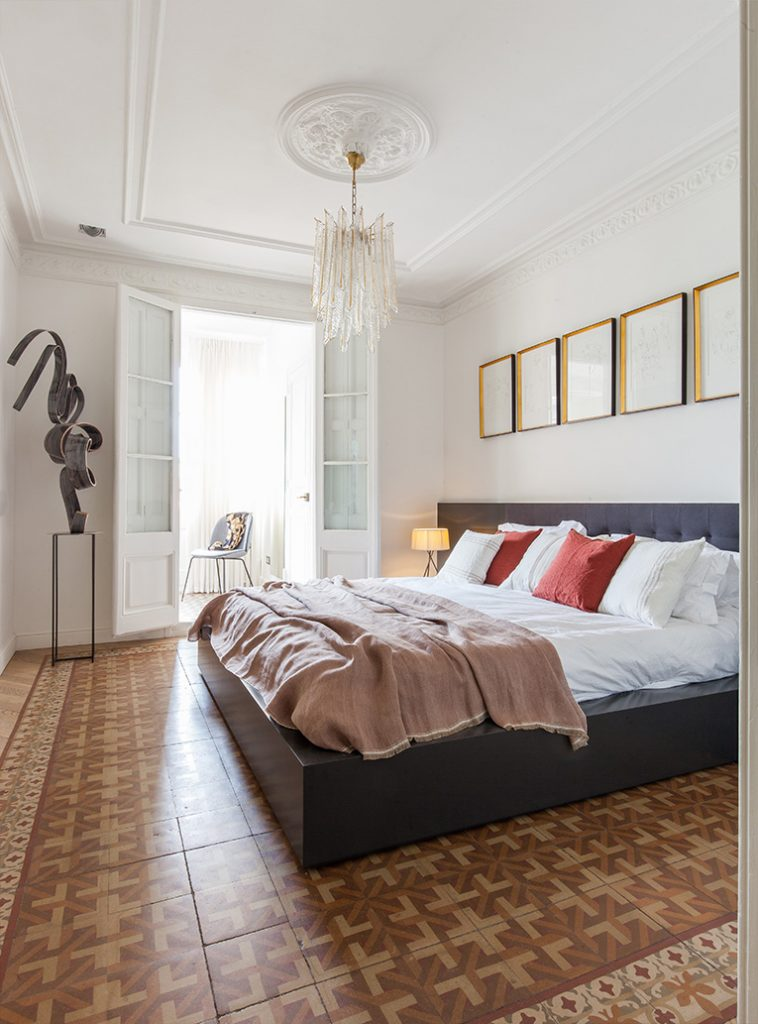 YLAB Aquitectos Transformed This Apartment in Barcelona into a Contemporary Design Dream! We'll Give You a Tour!