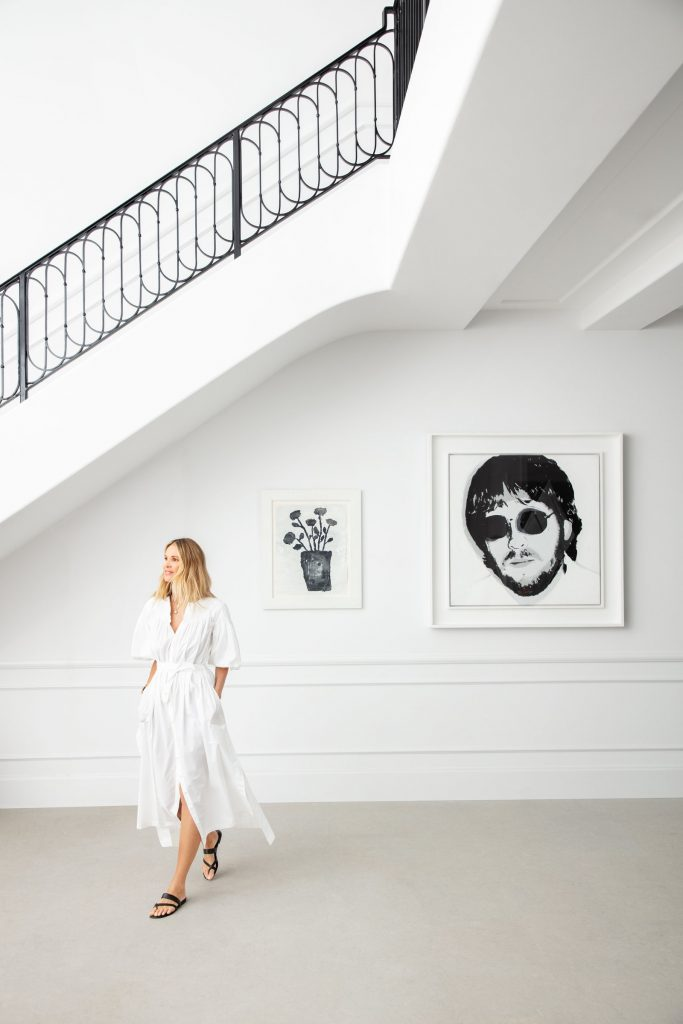 Get Inside: Discover All The Corners of Supermodel Elle Macpherson's Contemporary Home in Florida!