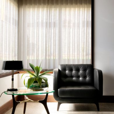 SOPHISTICATED AND NEUTRAL SPACE FOR ANY MID-CENTURY MODERN DECOR