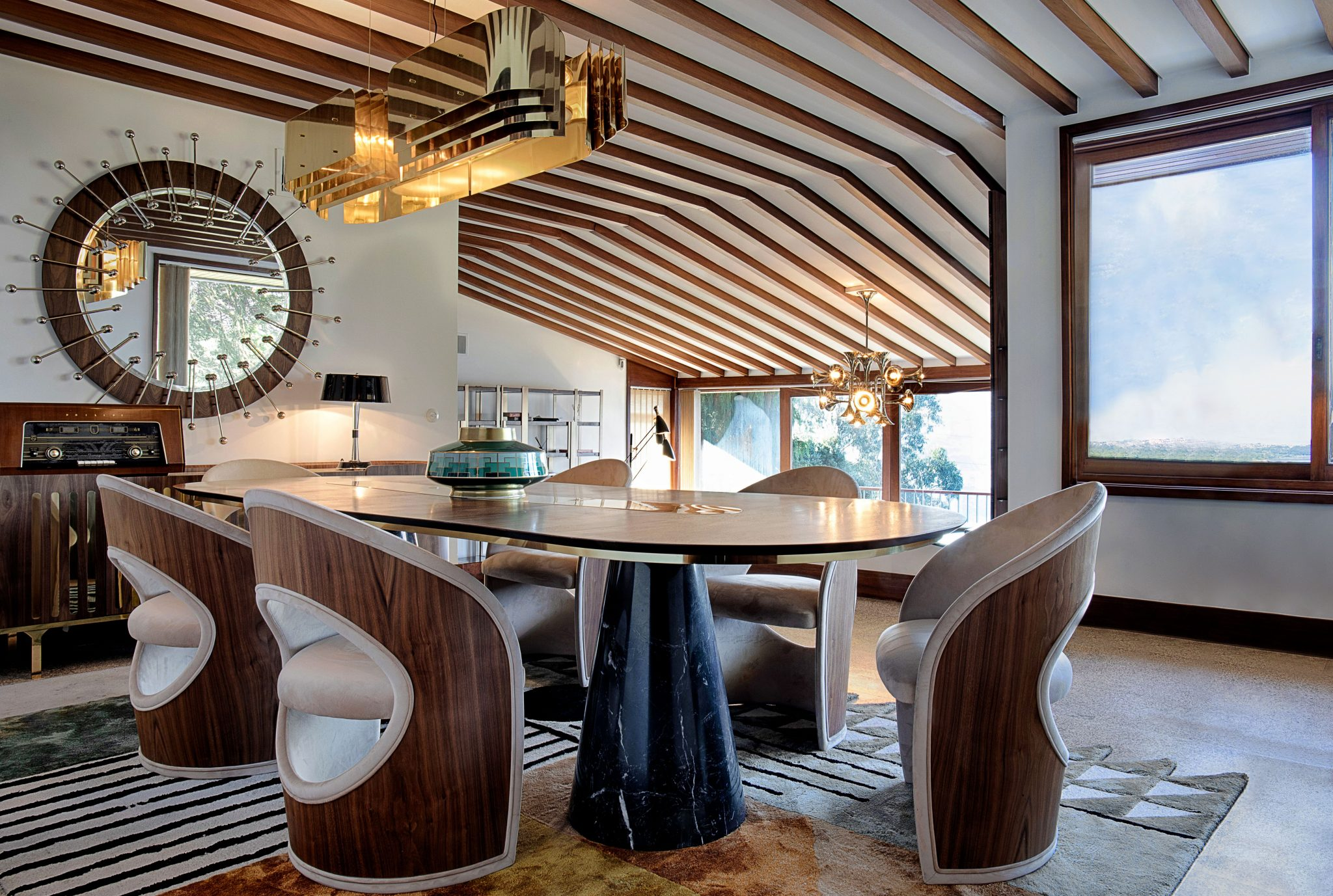 MID-CENTURY COVET VALLEY DINING ROOM