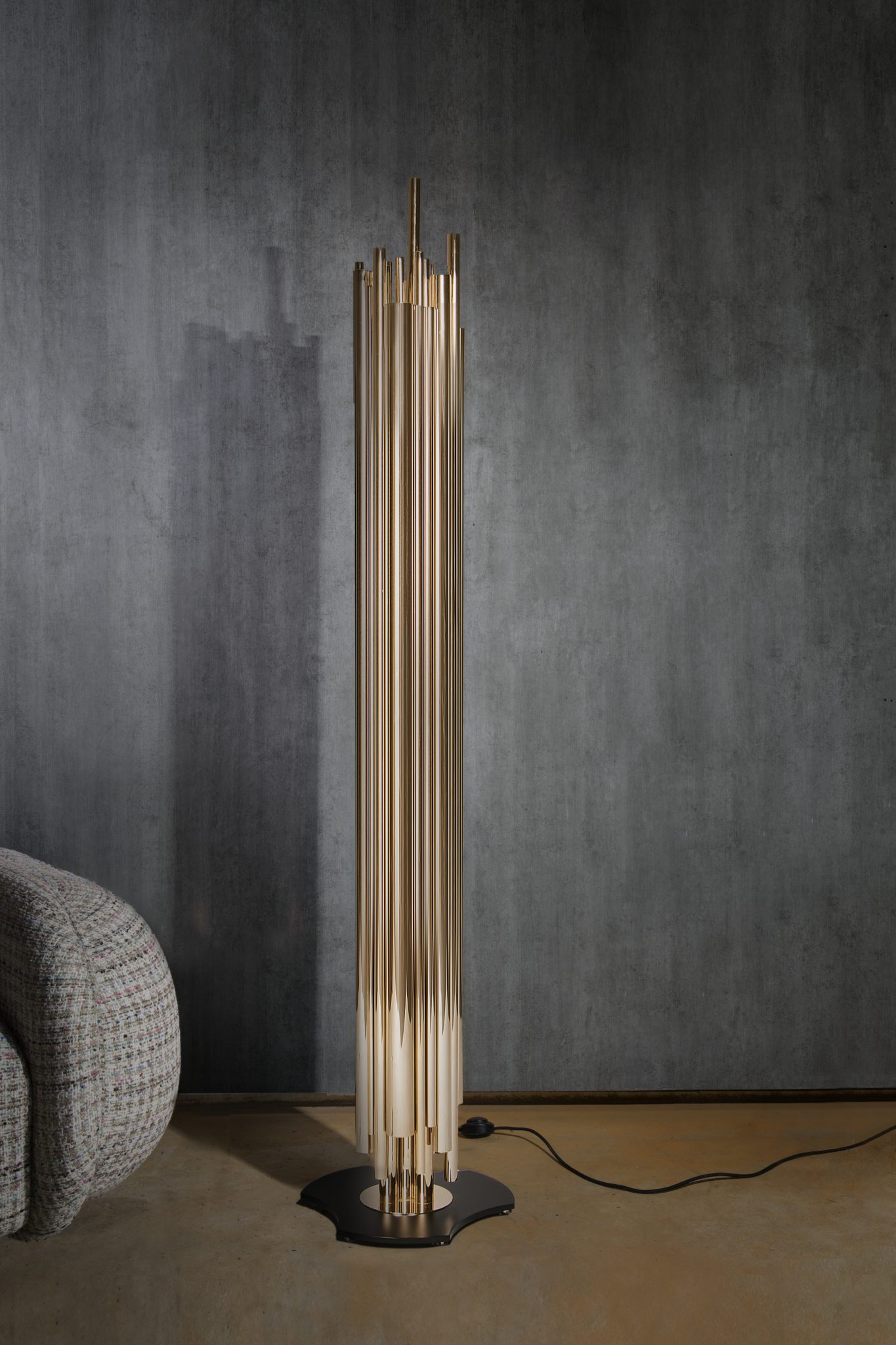 HIGHLIGHT YOUR ROOM WITH A CONTEMPORARY FLOOR LAMP LIKE THE BRUBECK