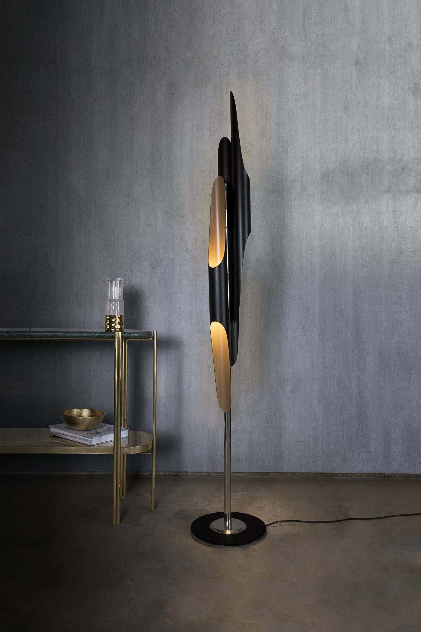 Mid-Century Floor Lamp To Complete Your Project