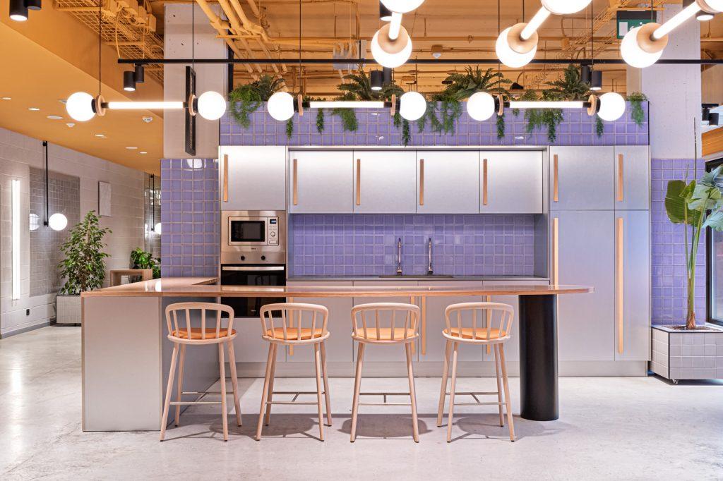 Design Insider: Inside The Colorful Design World of Masquespacio