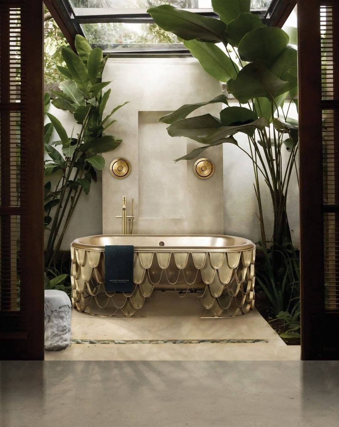 MODERN REPRESENTATION OF BATHROOM LIGHTNING DESIGN